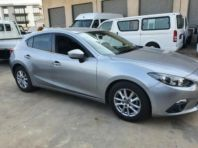 Used Mazda Mazda 3 hatch 1.6 Dynamic for sale in Pinetown, KwaZulu-Natal