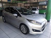 Used Ford Fiesta 5-door 1.0T Titanium for sale in Pinetown, KwaZulu-Natal